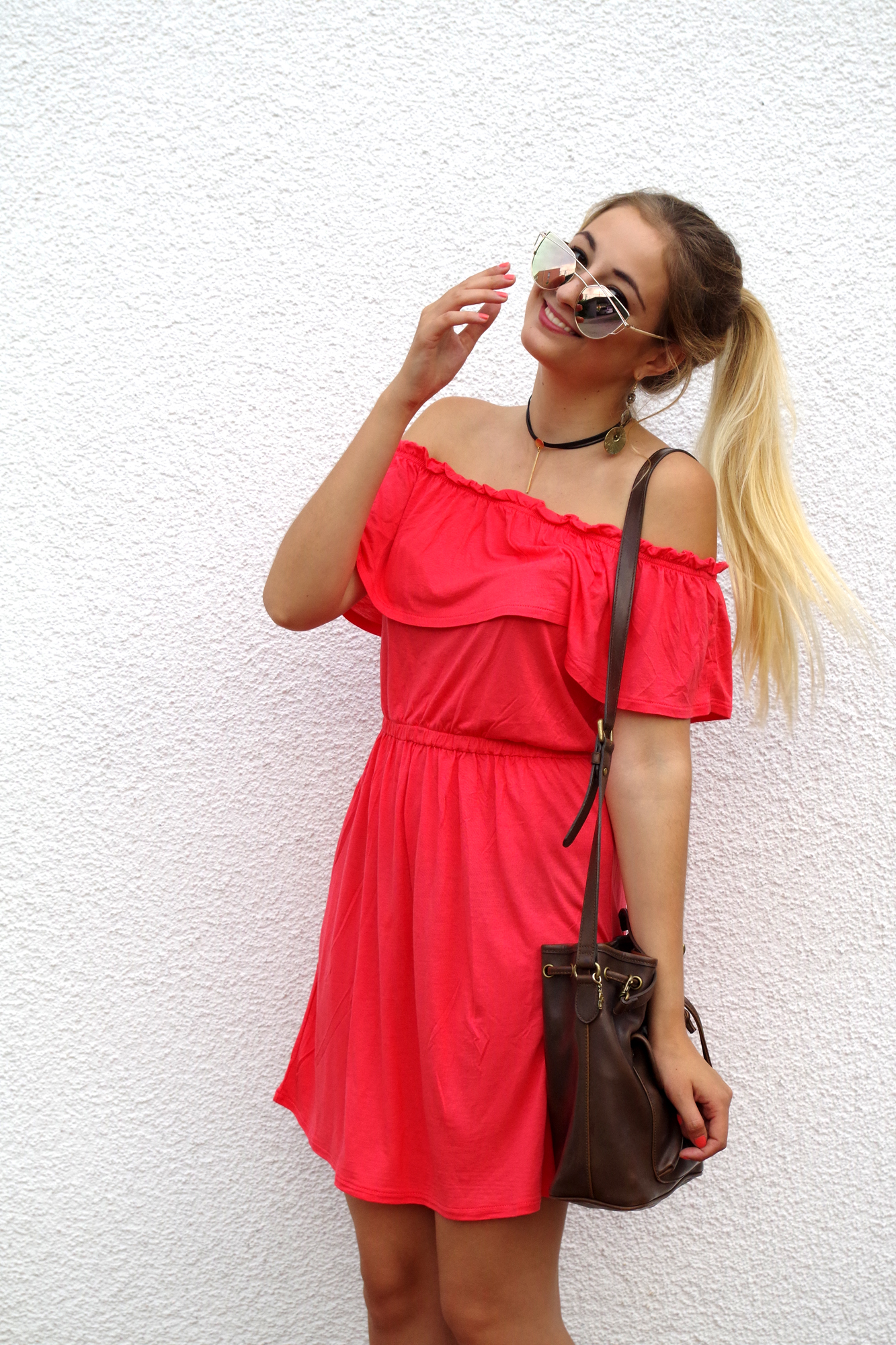 Off-Shoulder-korallrot-Kleid-Fleurrly-Outfit.jpg