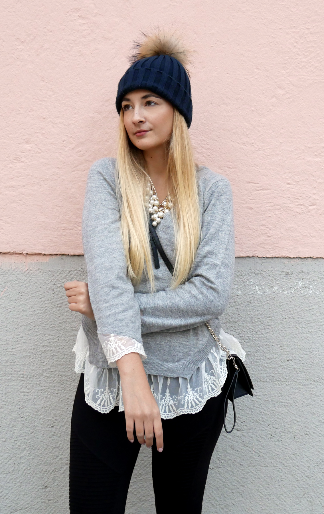 Lace-Sweater-and-studded-boots-layering-look-munich-blogger-tanja.jpg